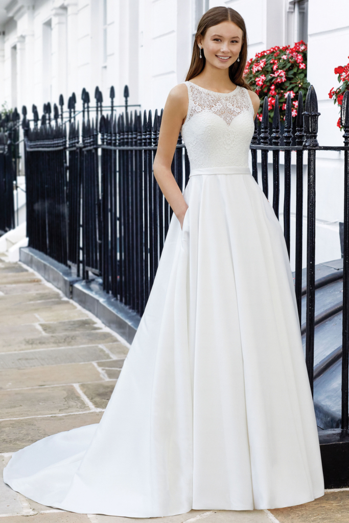 Adore by Justin Alexander style 11110